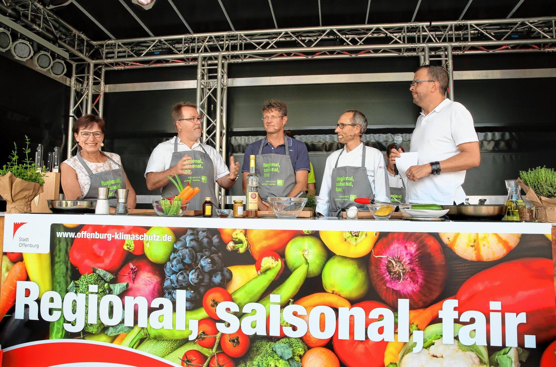 Offenburg Offenburger Rathaus-Spitze kocht für den Klimaschutz ...