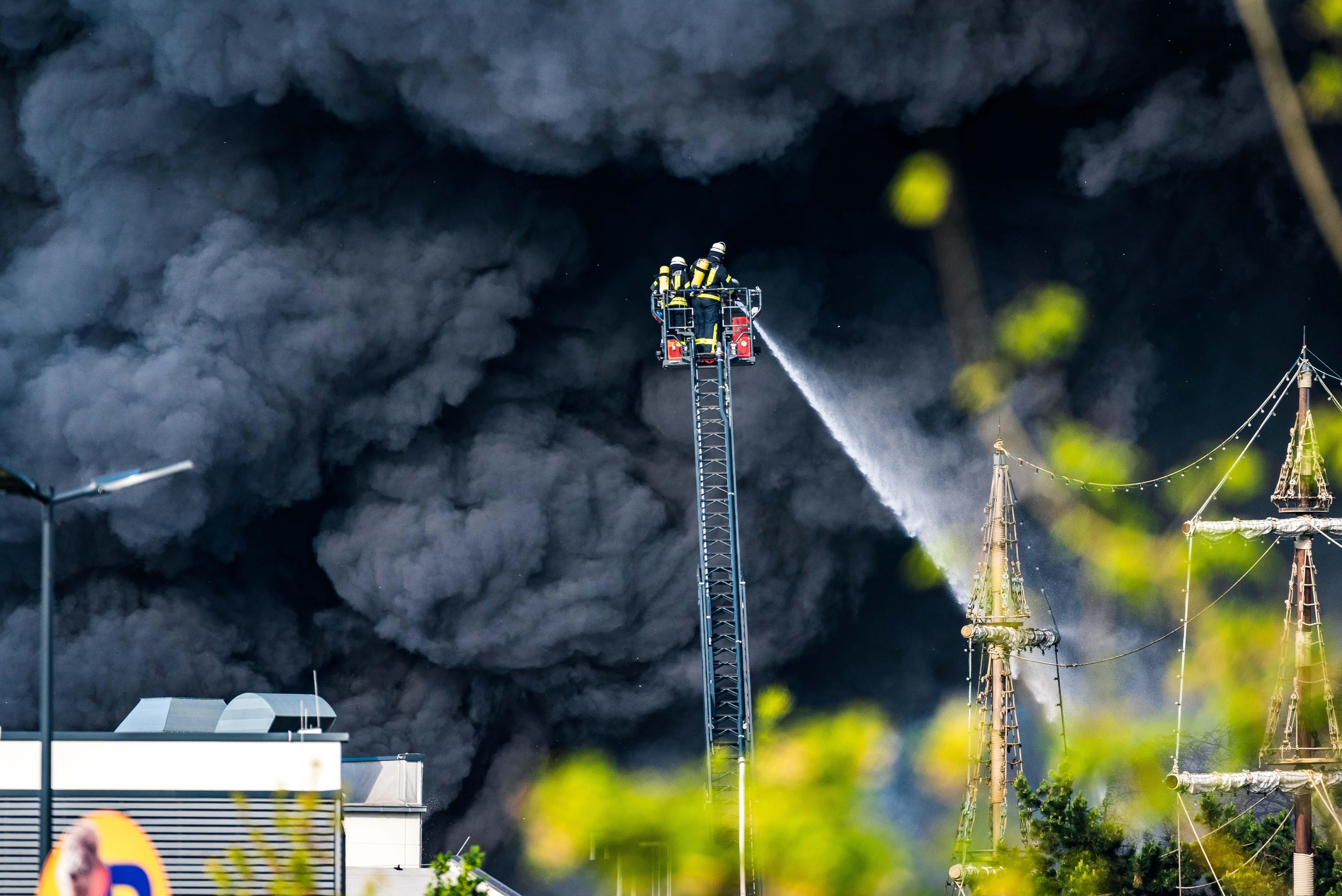 Ortenau Der Tag Danach Großbrand Im Europa Park Gelöscht So Geht
