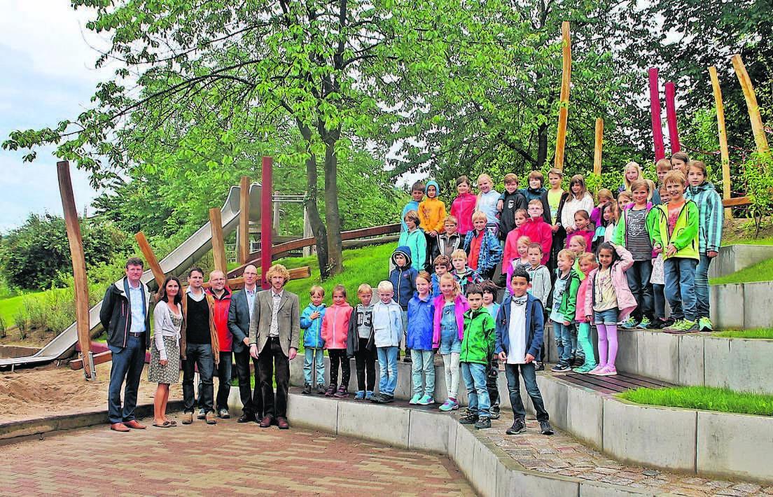 Offenburg Spielplatz »Am Pflenzinger« nach Sanierung eingeweiht ...