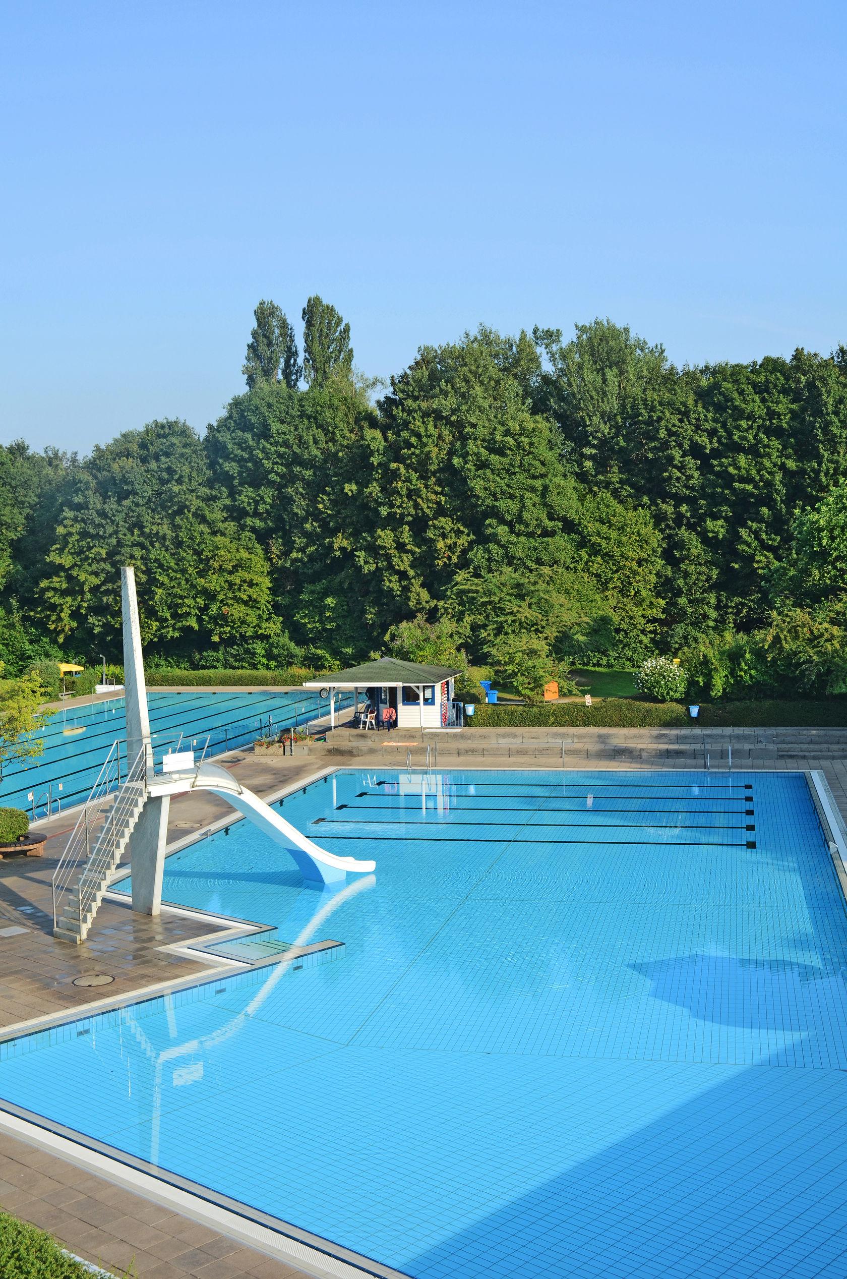 Kehl stadtr te heben badeshort verbot in kehler freib dern for Piscine offenburg