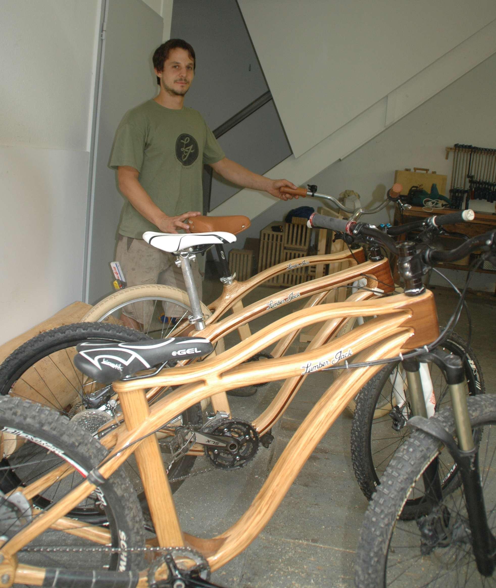 Kinzigtal Schramberg Raphael Much baut Fahrradrahmen aus Holz ...