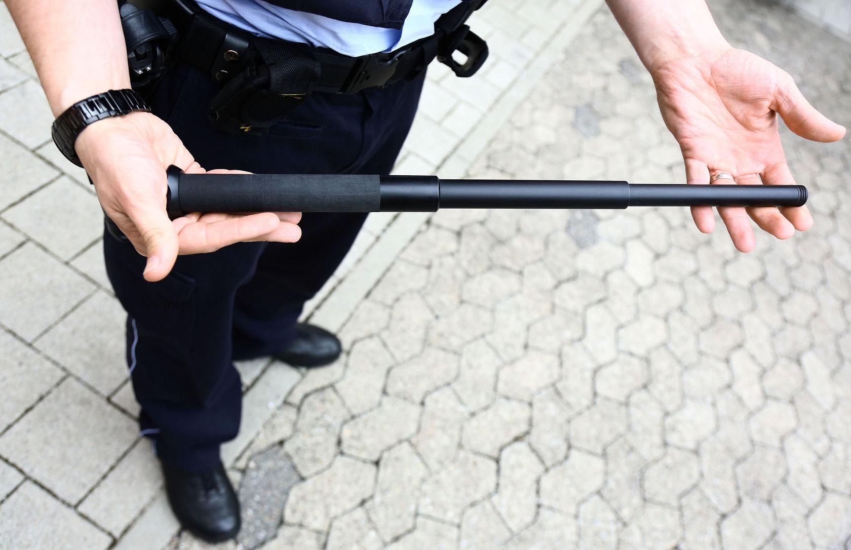Teleskopschlagstock Polizei