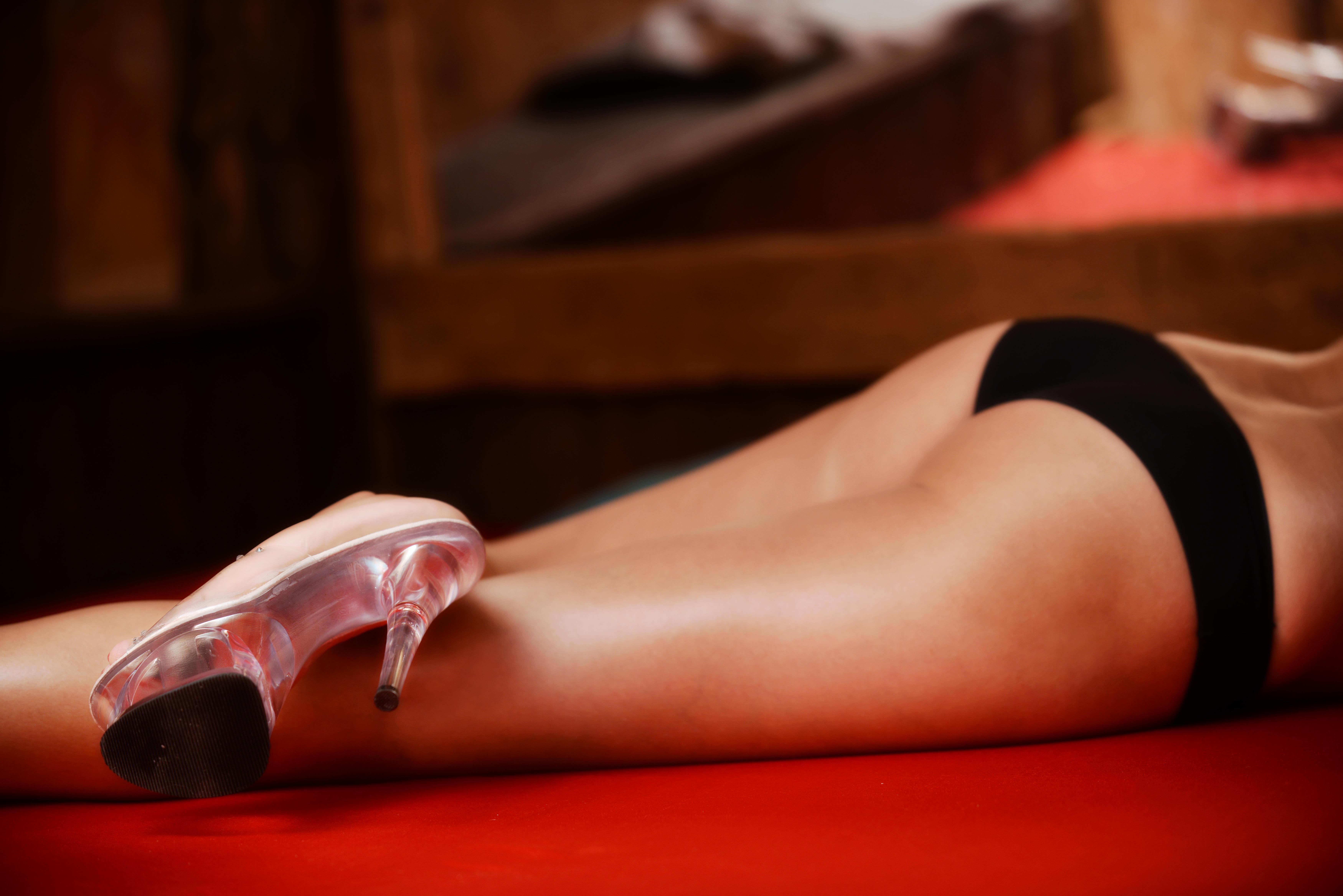 prostituierte anzeigen frau oben stellung