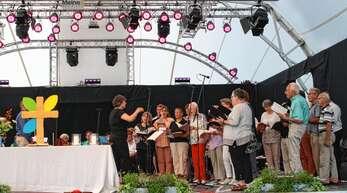Musikalisch gestaltet wurde der Gottesdienst auf der Landesgartenschau vom evangelischen Kirchenchor Oberkirch und dem Chor Surprisium unter der Leitung von Clarisse Durban und dem evangelischen Posaunenchor Oberkirch.