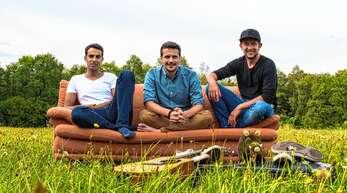 Die Band »Rhinwaldsounds« mit den drei Sängern Dominik Binnig, Dominik Büchele und Enrico Wieber (von links) aus Kappel-Grafenhausen freut sich schon auf ihr Konzert mit handgemachter Musik und alemannischem Dialekt.