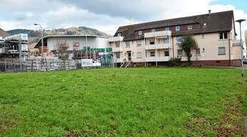 Wo heute noch das Bauzentrum Rendler steht, sollen bald Wohnungen entstehen. Was im neuen Baugebiet Neumatt möglich ist, regelt ein Bebauungsplan.