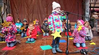 Auch in diesem Jahr tragen die Kindergärten zum Bühnenprogramm des Oberkircher Weihnachtsmarktes bei.