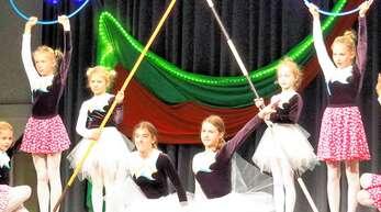 Die Mädchen des TV Oberachern begeisterten das Publikum bei der Nikolausfeier.