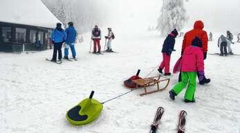 Auf Unterstmatt war am Sonntag einiges los im Schnee.