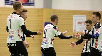 Die Faustballer des FBC Offenburg freuten sich über den ersten Heimsieg der Saison.