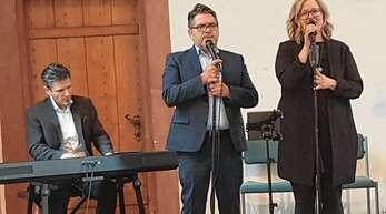 Georg Eichhorn, Eddie Haid und Maddy Eichhorn begleiteten den Neujahrsempfang musikalisch.