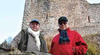 Ulrich Freiherr von Schauenburg (links) und Rudolf Hans Zillgith wollen die Oberkircher Schauenburg mit einer Aussichtsplattform aufwerten. Sie soll von außen nicht zu sehen sein und L-förmig im inneren Bereich des Westturms realisiert werden.