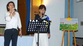 Traten beim Neujahrsempfang der Pfarrgemeinde auf: Anette Schröder (links) und Katja Tscherter, Leiterin und Dirigentin von »Joy & Hope«.