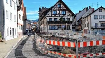 Bis Jahresende sollen die Sanierungsarbeiten am letzten Abschnitt der Straßburger Straße in Oppenau dauern.