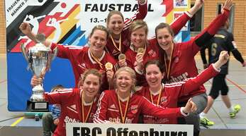 Hinten von links: Marie-Therese Rothmaier, Anja Reimer, Maren Schmitt, Birthe Lilienthal; vorne von links: Wiebke Lohrmann, Silja Pannewig, Sandra Wortmann