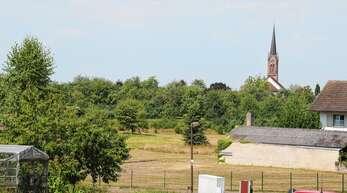 Manche Eigentümer haben im geplanten Mösbacher Baugebiet Bühli ihre Grundstücke etwas gewinnbringender an privat statt an die Stadt verkauft. Wenn aber nicht die Hälfte der Flächen in städtischen Besitz kommt, wird es gar kein Baugebiet geben.