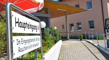 Den Erhalt des Oberkircher Krankenhauses haben sich alle Ratsfraktionen auf die Fahnen geschrieben. Sie verfolgen dabei aber unterschiedliche Ansätze.
