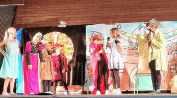 Auch nach China führte die Reise der Schüler in ihrem Stück »Klänge der Welt«.