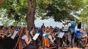 Das Blasorchester aus Kreenheinstetten sorgte beim Frühschoppen am Sonntag beim Schlossfest für beste Unterhaltung.