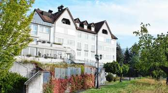 Zumindest holprig ist die Entwicklung von drei großen, derzeit fast komplett leerstehenden Immobilien in Sasbachwalden: In den Wagner-Kliniken, im ehemaligen Hotel Bel Air und auf Hohritt sollen in naher Zukunft Investoren Wohnraum für Urlauber und vielleicht auch für Bürger schaffen.