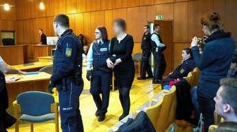 Zu sieben Jahren Haft hat das Landgericht Offenburg die Angeklagte im Kreiselmordprozess verurteilt. Gegen das Urteil haben ihre Anwälte nun Revision eingelegt.
