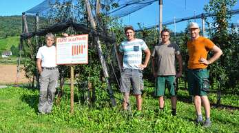 Die Landwirte Martin Bähr (von links), Peter Kimmig, Hannes Panter und Andreas Riehle wollen darüber aufklären, warum sie Pflanzenschutzmittel verwenden.