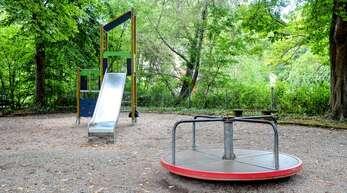 Der Spielplatz an der Johann-Sebastian-Bach-Straße ist in einem traurigen Zustand.