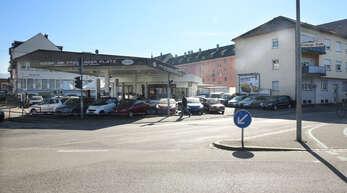 Hier am Freiburger Platz in Offenburg soll der 25-Jährige den Rentner attackiert haben.