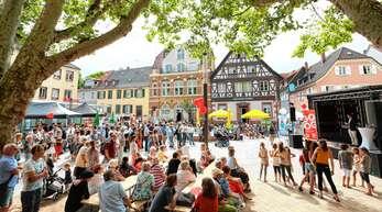 Mit einem großen Fest ist im Juli die Umgestaltung der Lange Straße gefeiert worden, hier der Bereich vor dem Kloster. Doch es wurde auch schon mehrfach Kritik laut.