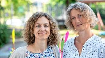 Sie helfen beim Ausfüllen von Anträgen, geben Tipps oder hören zu: Kerstin Topolic (links) und Andrea Schulz-Aufrecht kümmern sich um die Bedürfnisse von Eltern mit krebskranken Kindern.