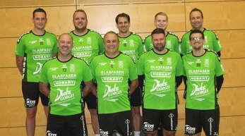 Die FG Griesheim ist gerüstet für die Hallenrunde in der 2. Faustball-Bundesliga (hinten von links): Dominik Ruttkay, Manuel Itt, Michael Haas, Andreas Seitz, Marco Dobler. Vorne von links: Frank Bross, Thomas Fischer, Jochen Matt und Timo Ehret.