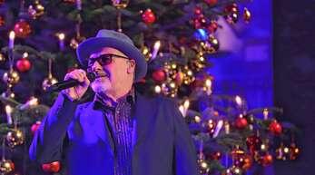 Singt Soul, Blues und Pop mit samtweicher Stimme: Paul Carrack unter dem Weihnachtsbaum in der Offenburger Oberrheinhalle.