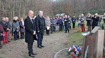 Bei der Gedenkfeier: Trudpert Hurst (links) und sein elsässischer Kollege Daniel Neff.