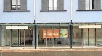 """Das Banner hängt schon: Die Initiatoren des """"Unverpackt""""-Ladens haben jetzt die Räume am Offenburger Marktplatz offiziell angemietet."""