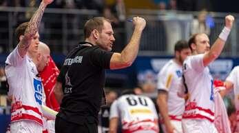 Wechsel ab 1. Februar die Seiten: Der aktuelle österreichische Torwart-Trainer Matthias Andersson (2. v. li.) wird dann die deutschen Keeper unter seine Fittiche nehmen.