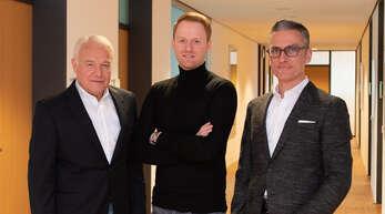 Unternehmensgründer Manfred Streit (von links) stellte die Weichen der Streit Datentechnik GmbH in Richtung Zukunft. Mit Dr. Michael Streit gehört nun sein Sohn zum Geschäftsführungsteam, zu dem auch Roland Gmeiner zählt.