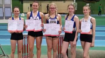 Die U16-Athletinnen von ETSV/LG Offenburg in Mannheim (v. l.): Rebecca Grunwald, Leni Aupperle, Pia Ammann, Iris Bergen und Isabel Hogenmüller.