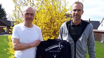 Handball-Fachmann Stefan Junker (links), hier mit ASV-Sportvortand Hagen Kern, übernimmt in der kommenden Saison die Leitung im weiblichen Seniorenbereichs der Handballer aus Ottenhöfen.