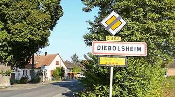 Postkartenidyll: Südlich der kleinen Ortschaft Diebolsheim könnte die große Ferienanlage der Unternehmerfamilie Mack gebaut werden.