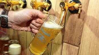 Fassbier für die Gastronomie und Veranstaltungen hat bei den Brauereien in der Region einen großen Anteil. Entsprechend stark trifft die Brauereien die Corona-Krise.
