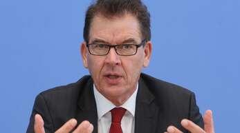 Entwicklungsminister Gerd Müller (CSU) sieht keinen Weg zurück in die Normalität der Globalisierung.