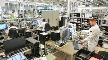 Elektronische Baugruppen für die Medizintechnik: Bei der Fritsch Elektronik GmbH in Achern-Önsbach entstehen individuell auf Kundenwunsch gefertigte Baugruppen, die höchste Qualitätsanforderungen erfüllen.