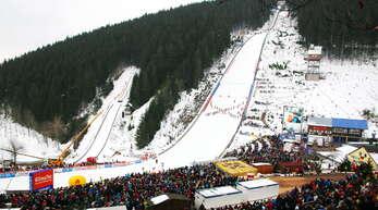 Die Hochfirstschanze in Titisee-Neustadt ist im Januar 2021 erneut Schauplatz eines Weltcup-Skispringens.