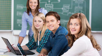 Schulabschluss in der Tasche - und was nun? IHK und Wirtschaftsjunioren Ortenau helfen bei der Orientierung.