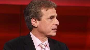 Wissenschaftsstreit: Alexander Kekulé kritisiert seinen Kollegen Christian Drosten.