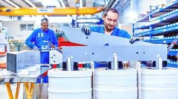 370 Mitarbeiter des Familienunternehmens J. Schneider Elektrotechnik fertigen am Standort Offenburg Produkte für die industrielle Stromversorgung – für Windräder, Fotovoltaikanlagen oder Papierfabriken.