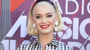 Katy Perry kennt man normalerweise nur perfekt gestylt, während der Corona-Zwangspause verzichtet auch sie auf Make-up. (Archivbild)