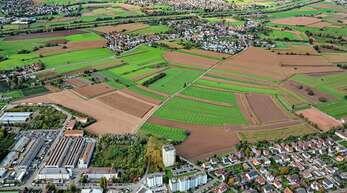 Zwischen Bohlsbach (im Vordergrund) und Bühl (hinten) soll das neue Großklinikum gebaut werden. Die Zufahrt soll über die Lise-Meitner-Straße (links im Bild) führen.