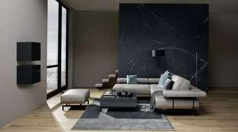 Die Bereiche JOOP! LIVING ROOM, DINING ROOM, BEDROOM und BATHROOM sprechen dieselbe Designsprache und verschmelzen perfekt zu harmonischen Wohnwelten.