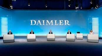 Nur zwei Aufsichtsräte und drei Vorstände saßen bei der Hauptversammlung im firmeneigenen Fernsehstudio in Stuttgart-Vaihingen.